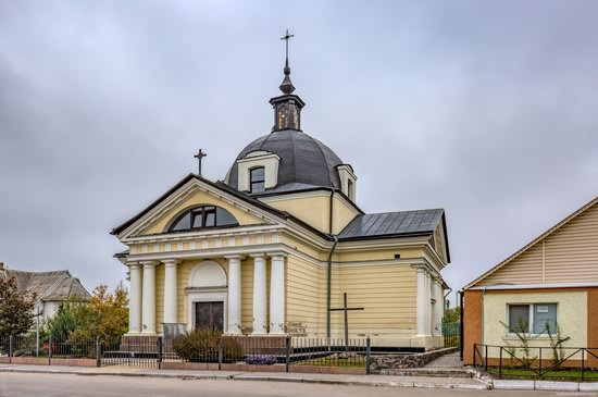 Catholic Church of the Body and Blood of Jesus Christ in Ruzhyn, Ukraine, photo 4