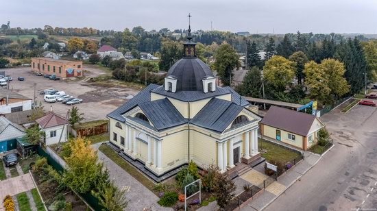 Catholic Church of the Body and Blood of Jesus Christ in Ruzhyn, Ukraine, photo 7