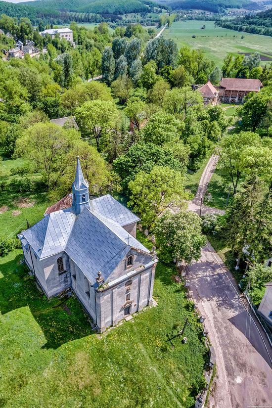 Catholic Church of the Holy Trinity in Pomoryany, Ukraine, photo 3