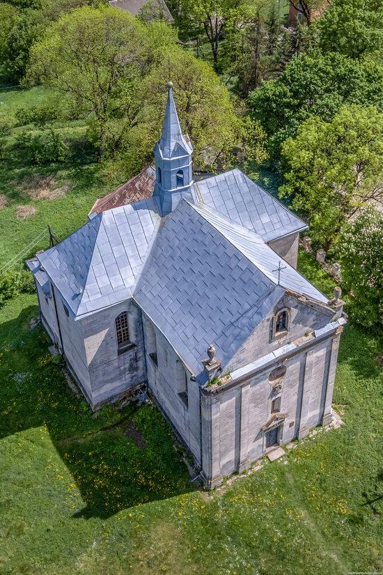 Catholic Church of the Holy Trinity in Pomoryany, Ukraine, photo 4