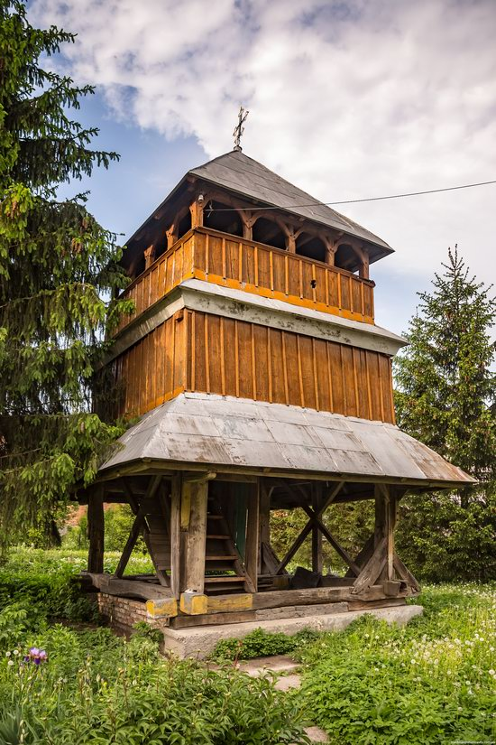 Wooden Church of St. Nicholas in Lishchyny, Lviv region, Ukraine, photo 3