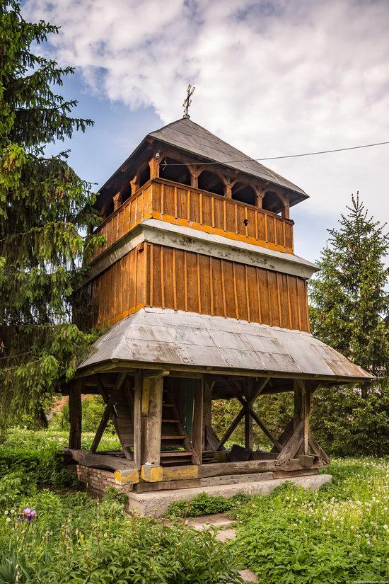 Wooden Church of St. Nicholas in Lishchyny, Lviv region, Ukraine, photo 3