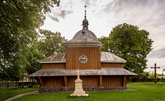 Wooden Church of St. Nicholas in Lishchyny, Lviv region, Ukraine, photo 4