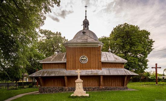 Wooden Church of St. Nicholas in Lishchyny, Lviv region, Ukraine, photo 4