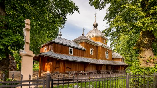 Wooden Church of St. Nicholas in Lishchyny, Lviv region, Ukraine, photo 5