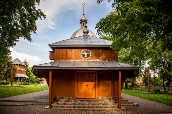 Wooden Church of St. Nicholas in Lishchyny, Lviv region, Ukraine, photo 6