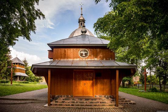 Wooden Church of St. Nicholas in Lishchyny, Lviv region, Ukraine, photo 6