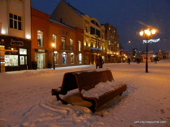 Snow-covered Streets of Uzhhorod, Ukraine, photo 1