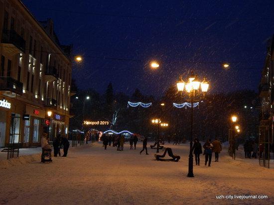 Snow-covered Streets of Uzhhorod, Ukraine, photo 10