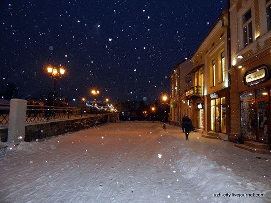 Snow-covered Streets of Uzhhorod, Ukraine, photo 12