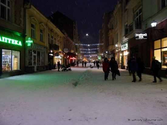 Snow-covered Streets of Uzhhorod, Ukraine, photo 17