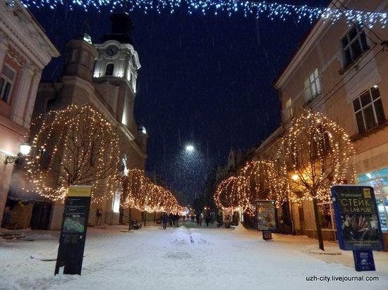 Snow-covered Streets of Uzhhorod, Ukraine, photo 20