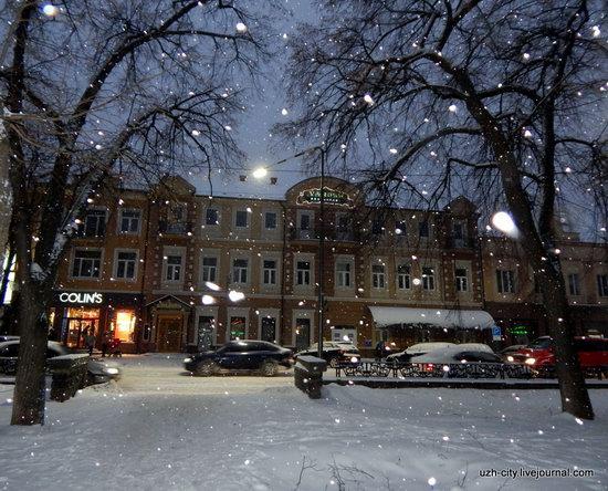 Snow-covered Streets of Uzhhorod, Ukraine, photo 4