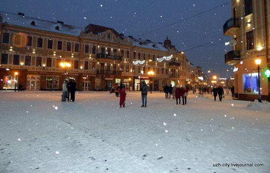 Snow-covered Streets of Uzhhorod, Ukraine, photo 5