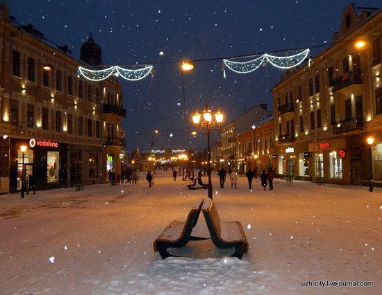 Snow-covered Streets of Uzhhorod, Ukraine, photo 8