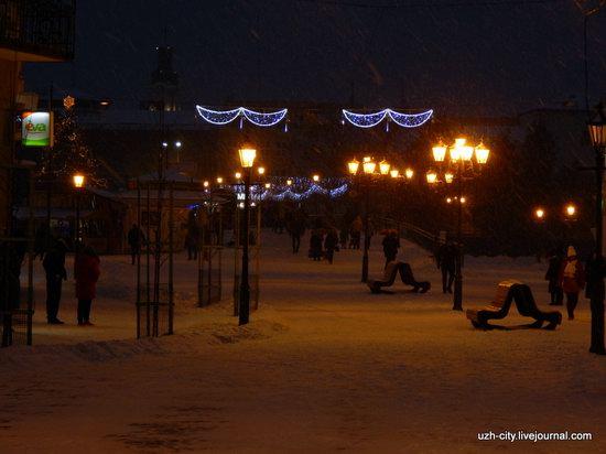 Snow-covered Streets of Uzhhorod, Ukraine, photo 9