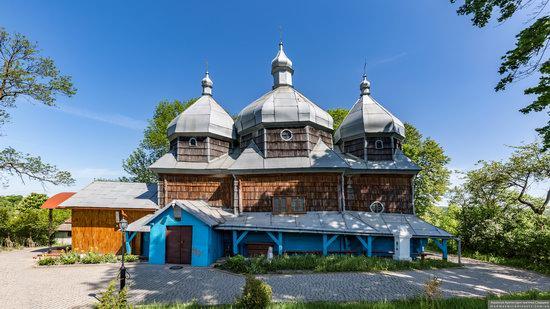 Church of St. Paraskeva in Pluhiv, Lviv region, Ukraine, photo 2