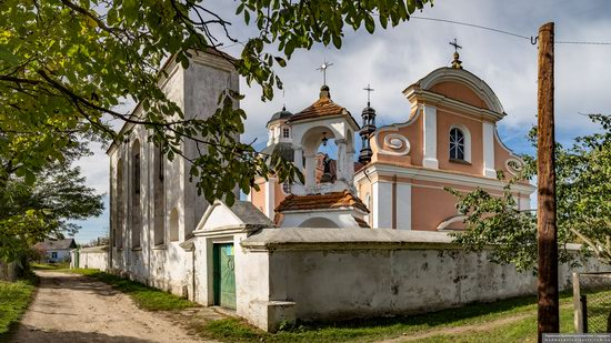 Roman Catholic Church of St. Anthony in Korets, Ukraine, photo 2