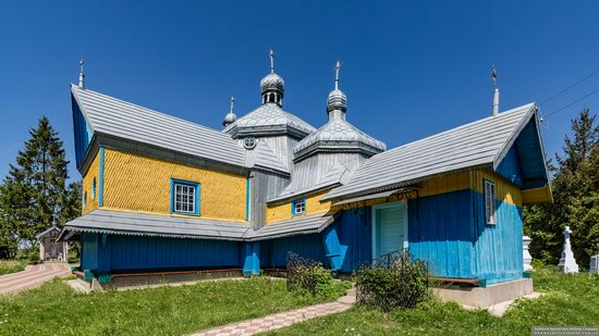 Church of St. Basil the Great in Muzhyliv, Ternopil region, Ukraine, photo 1