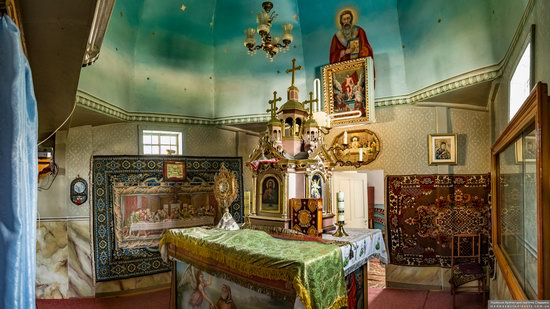 Church of St. Basil the Great in Muzhyliv, Ternopil region, Ukraine, photo 16