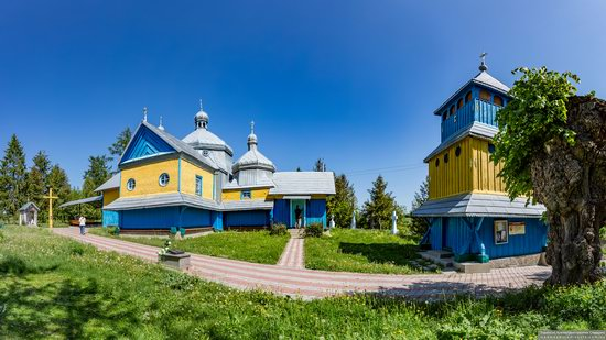 Church of St. Basil the Great in Muzhyliv, Ternopil region, Ukraine, photo 17