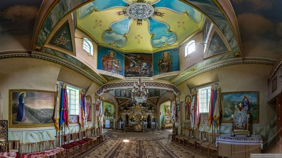 Church of St. Basil the Great in Muzhyliv, Ternopil region, Ukraine, photo 9