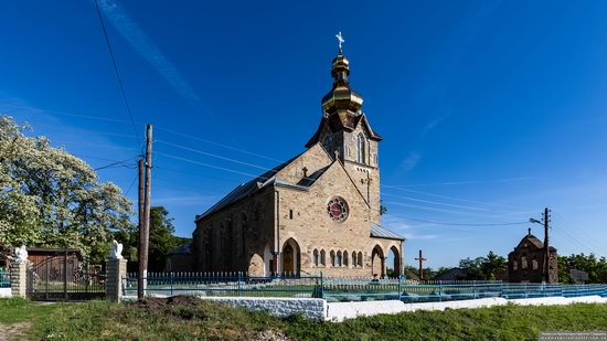 Neo-Gothic Orthodox Church in Pidhaichyky, Ukraine, photo 1