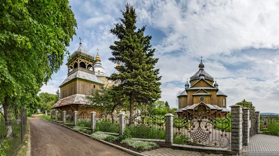Wooden Church of St. Basil the Great in Cherche, Ukraine, photo 17