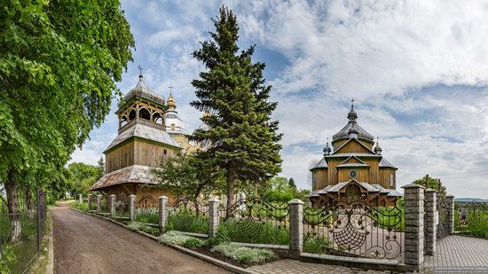 Wooden Church of St. Basil the Great in Cherche, Ukraine, photo 17