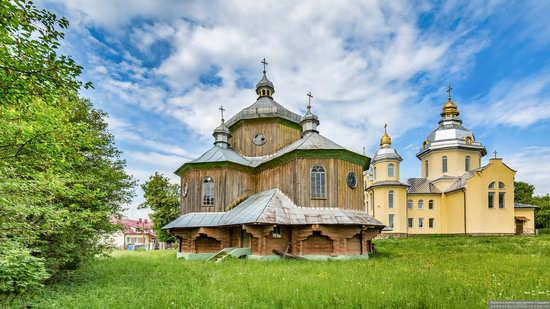 Wooden Church of St. Basil the Great in Cherche, Ukraine, photo 6