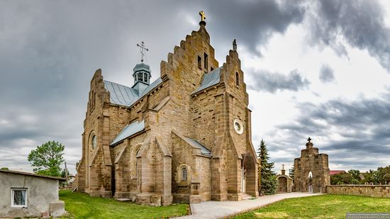 Church of the Holy Apostles Peter and Paul in Butsniv, Ukraine, photo 9