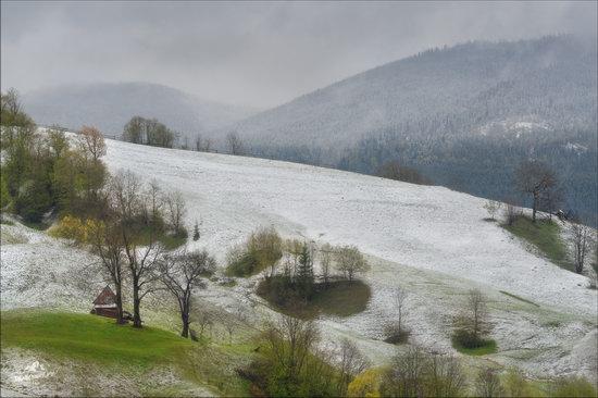 Unpredictable spring weather of the Carpathians, Ukraine, photo 2