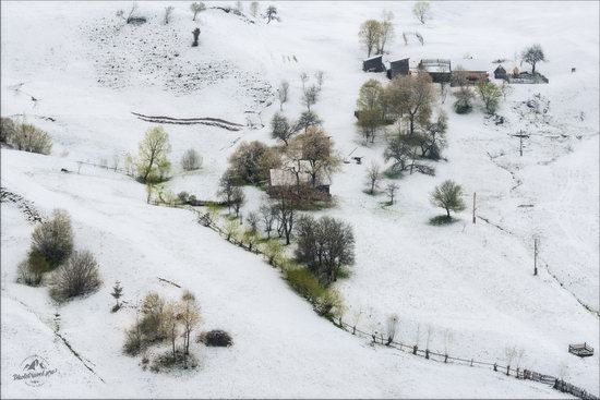 Unpredictable spring weather of the Carpathians, Ukraine, photo 4