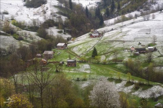 Unpredictable spring weather of the Carpathians, Ukraine, photo 5