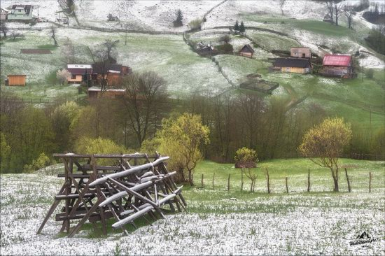 Unpredictable spring weather of the Carpathians, Ukraine, photo 6