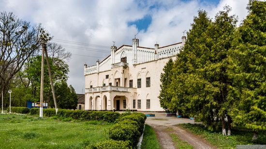 The Gizycki Palace in Novoselytsya, Khmelnytskyi Oblast, Ukraine, photo 2