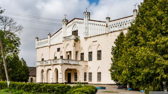 The Gizycki Palace in Novoselytsya, Khmelnytskyi Oblast, Ukraine, photo 3