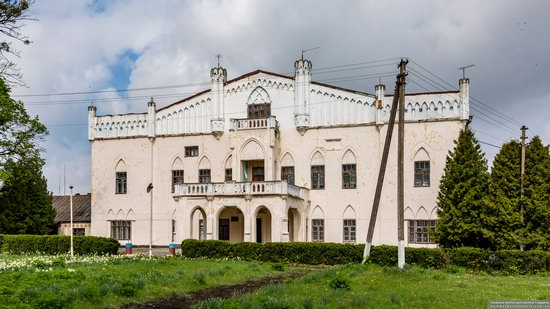 The Gizycki Palace in Novoselytsya, Khmelnytskyi Oblast, Ukraine, photo 6