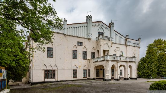 The Gizycki Palace in Novoselytsya, Khmelnytskyi Oblast, Ukraine, photo 9