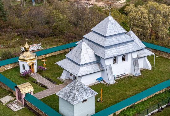 Fortified church in Rosokhy, Lviv Oblast, Ukraine, photo 2