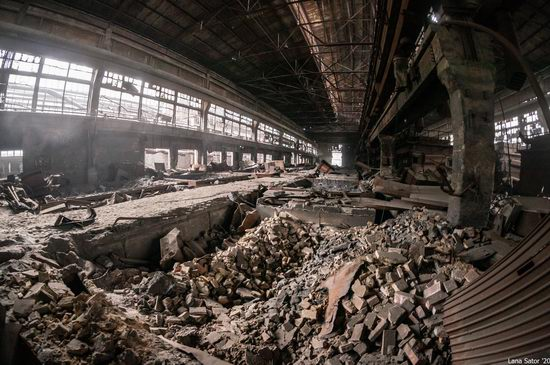 Zaporozhye Aluminium Combine, Ukraine - a Decaying Industrial Giant, photo 23