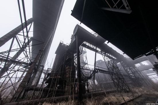 Zaporozhye Aluminium Combine, Ukraine - a Decaying Industrial Giant, photo 5