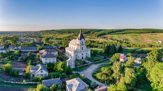Holy Trinity Church in Mykulyntsi, Ukraine, photo 5
