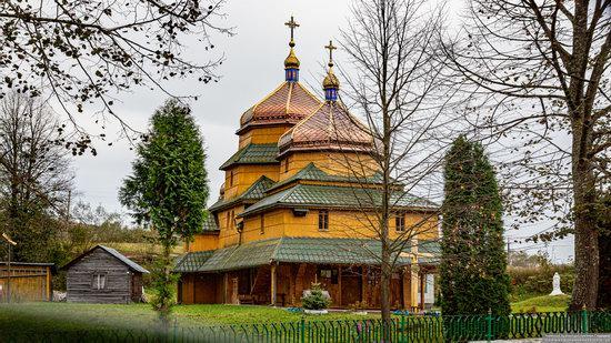 Church of St. Nicholas in Turje, Lviv Oblast, Ukraine, photo 2