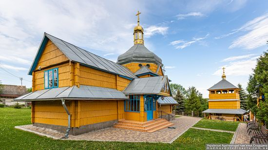 Wooden Church of the Transfiguration in Pidhaitsi, Ternopil Oblast, Ukraine, photo 1