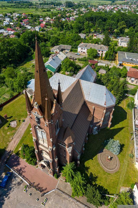 Catholic Church of the Assumption in Kamianka-Buzka, Ukraine, photo 2