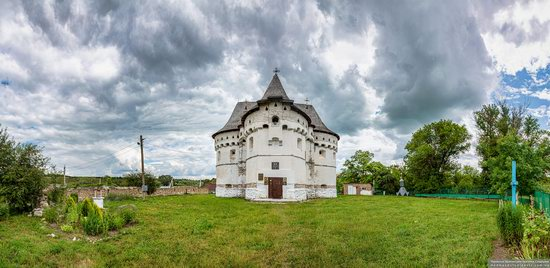 Holy Protection Church-Fortress in Sutkivtsi, Ukraine, photo 2