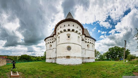 Holy Protection Church-Fortress in Sutkivtsi, Ukraine, photo 3