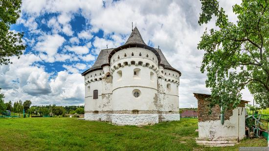 Holy Protection Church-Fortress in Sutkivtsi, Ukraine, photo 7