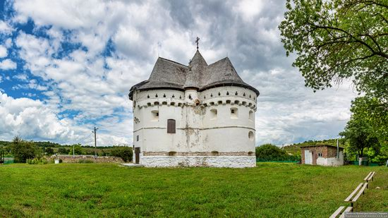 Holy Protection Church-Fortress in Sutkivtsi, Ukraine, photo 8